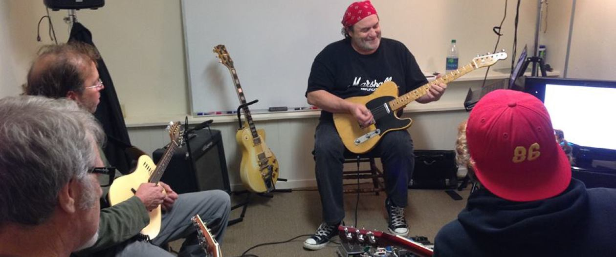 """Instructor Matthew Woodward presenting """"Mixed-Modal Blues Soloing Concepts"""", December 2014."""
